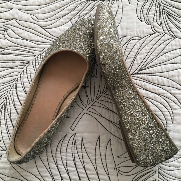 24380ce1cd9 Old Navy Shoes -  Old Navy  Glittery Silver Pointy Toe Ballet Flats